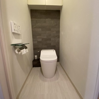 宇都宮市 内装リフォーム工事  トイレ ・便器交換・クロス張替え・クッションフロア張替え・エコカラット施工