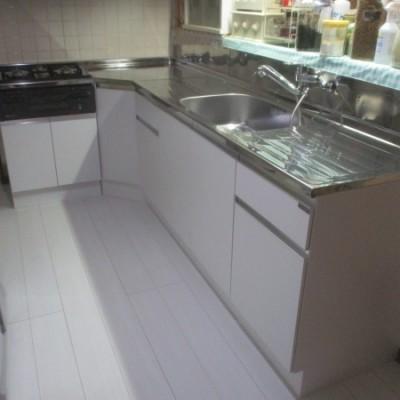 宇都宮市 内装リフォーム工事  フローリング重ね張り・キッチン交換・床下湿気対策工事