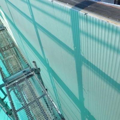 宇都宮市 サイディングカバー工事 8日目 中間水切り 端部カバー取付 上段サイディング貼り