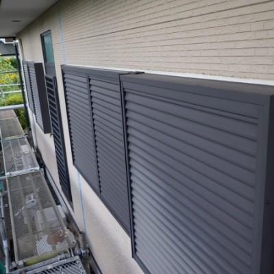 宇都宮市 外壁塗装工事 2日目 既存コーキング撤去 コーキング打ち換え・増し打ち