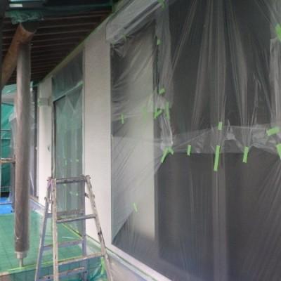 宇都宮市 外壁塗装工事 3日目 養生 板金錆止め塗装 軒天塗装 外壁下塗り塗装 アレスダイナミックフィラー