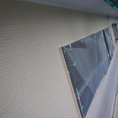宇都宮市 外壁塗装工事 四日目 外壁下塗り塗装、軒天二回目塗装、外壁中塗り、上塗り塗装 破風、軒樋一回目塗装