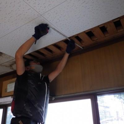 内装リフォーム工事  床、天井雨漏り補修